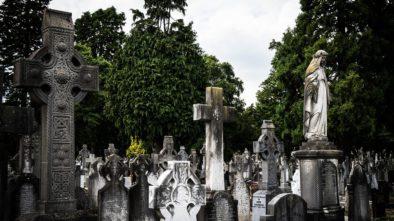 Hřbitovy jsou opět otevřeny
